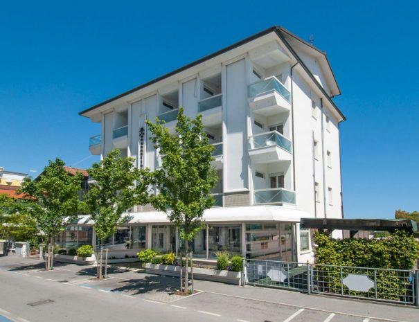 Facciata Hotel Antonella & Mael